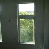 公立中学校窓ガラス修理